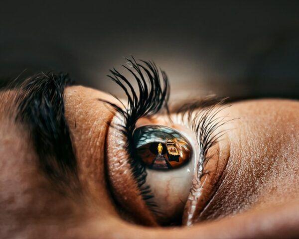 Shallow depth field photography eye