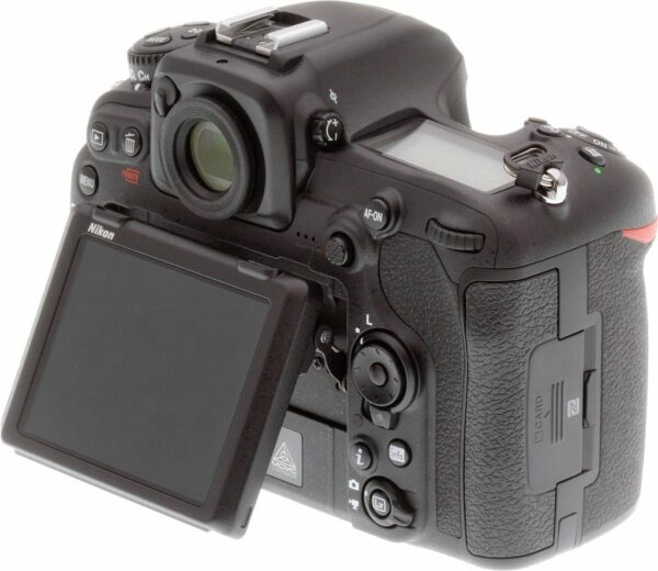 Nikon D500 with tilted screen