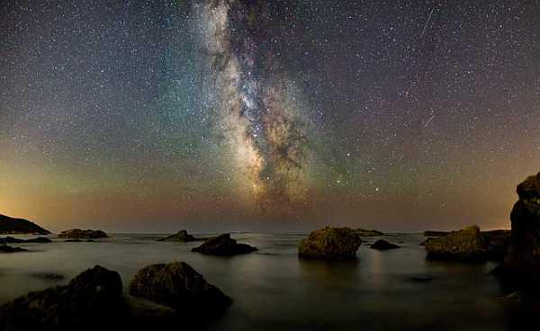 Night sky at the seashore