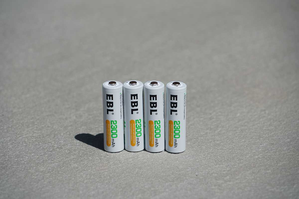 EBL 2800mAh AA batteries