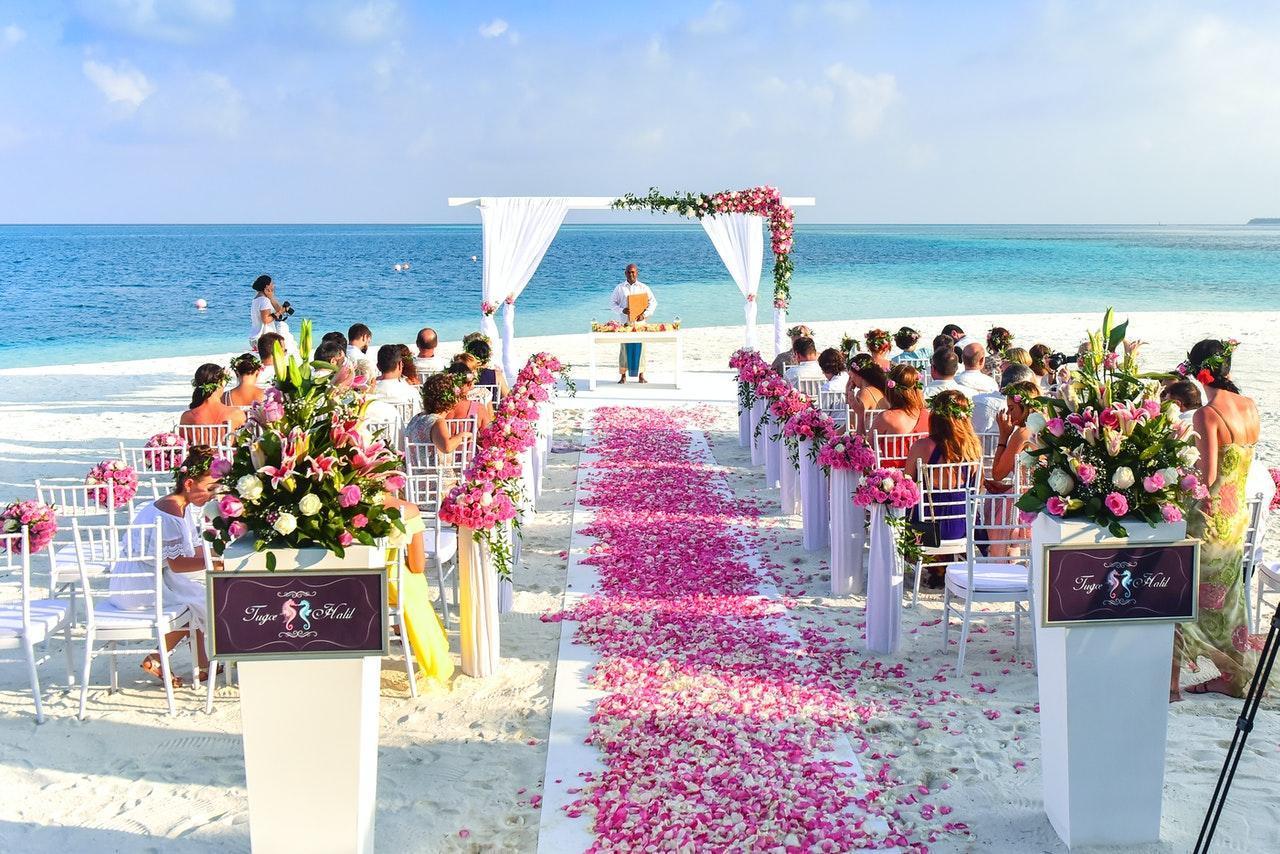 Wedding ceremony at the seashore